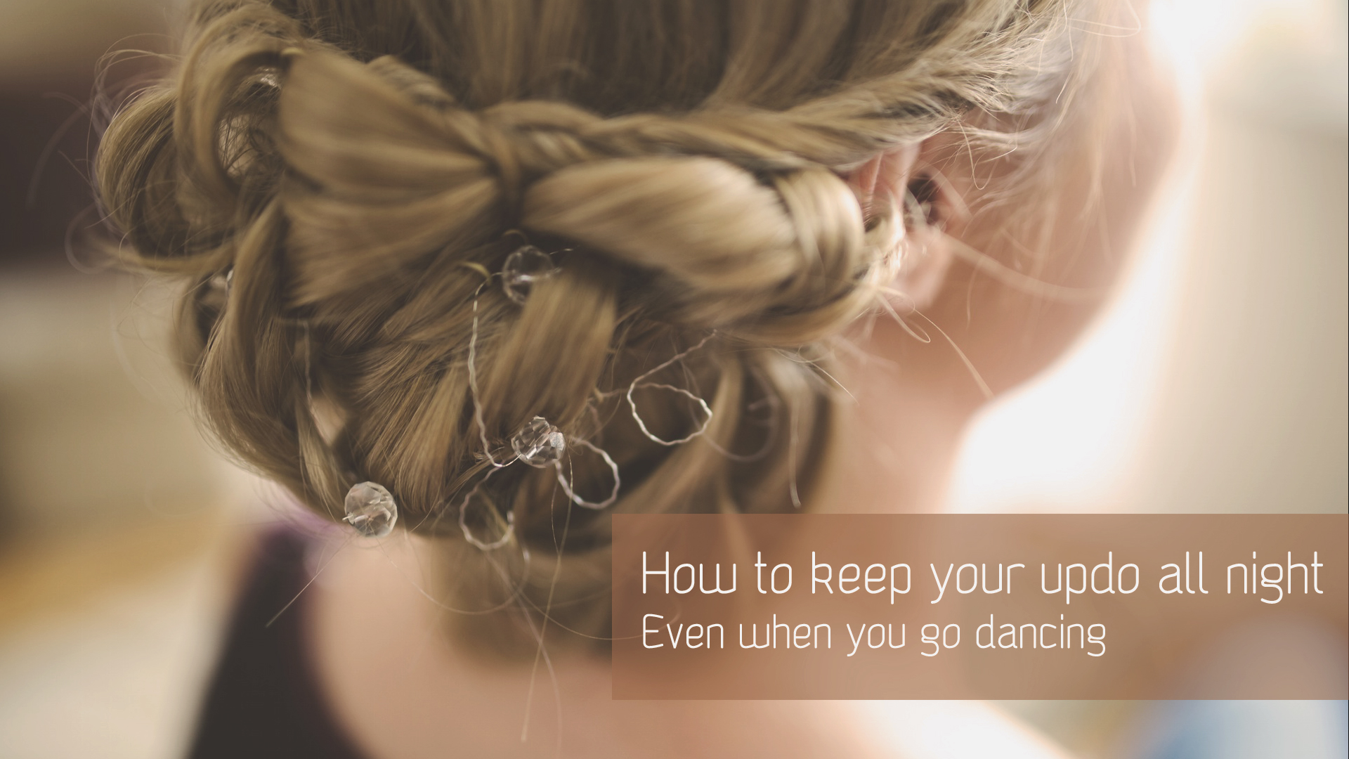 Christmas party: How to keep your updo all night
